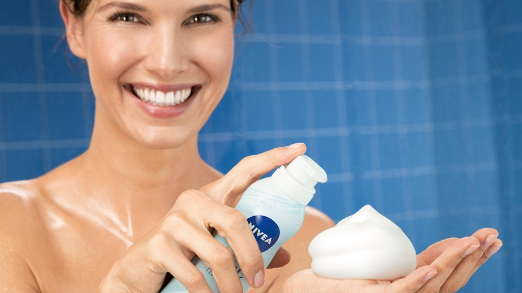 NIVEA Shower Silk Mousse